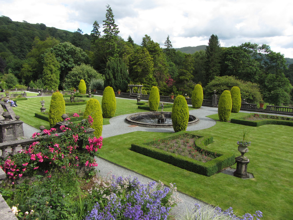 Rydal Hall Gardens / CC 2.0 Gareth James