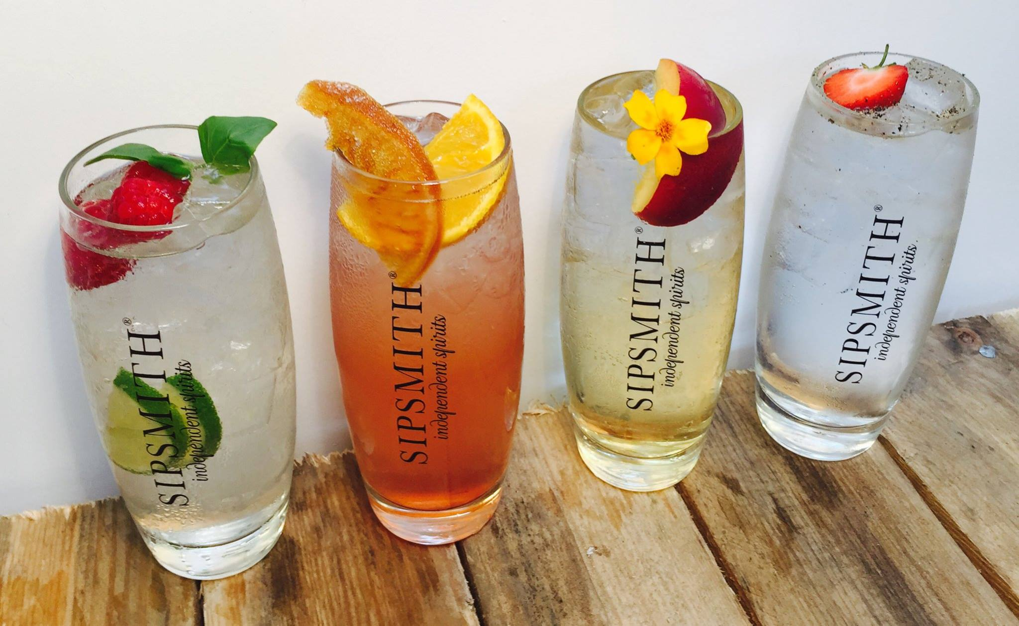 Experiment with Sipsmith Gin and different garnishes /Sipsmith Facebook